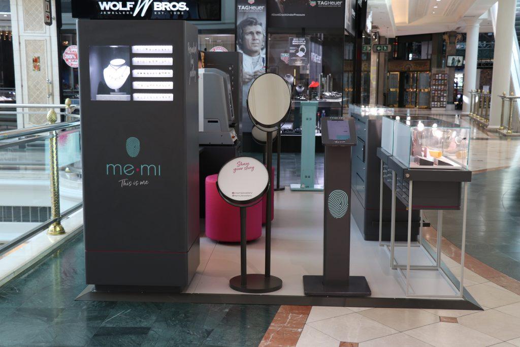 me.mi jewelry mall kiosk